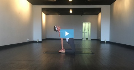 [VIDEO] Diana Toth Owns Camel Pose