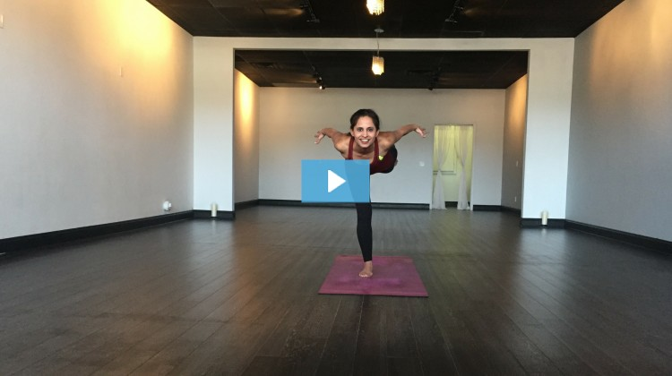 [VIDEO] Ameet Beltz Owns Airplane Pose